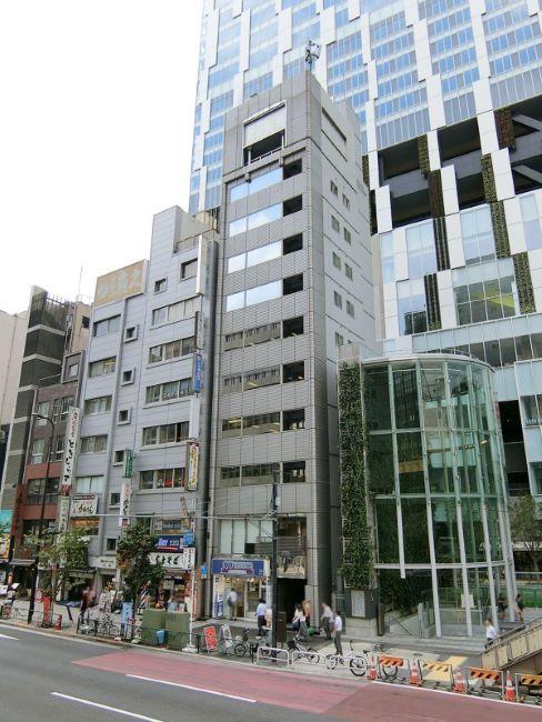 渋谷警察署前からの外観